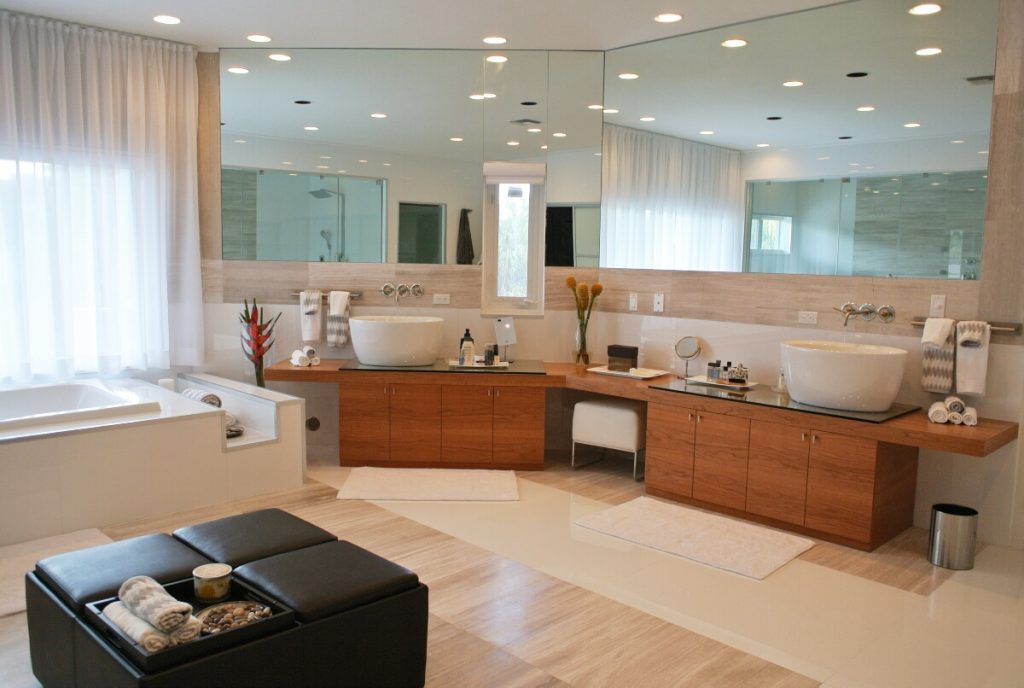 Interior design tips how to choose a bathroom vanity for Interior design agency miami