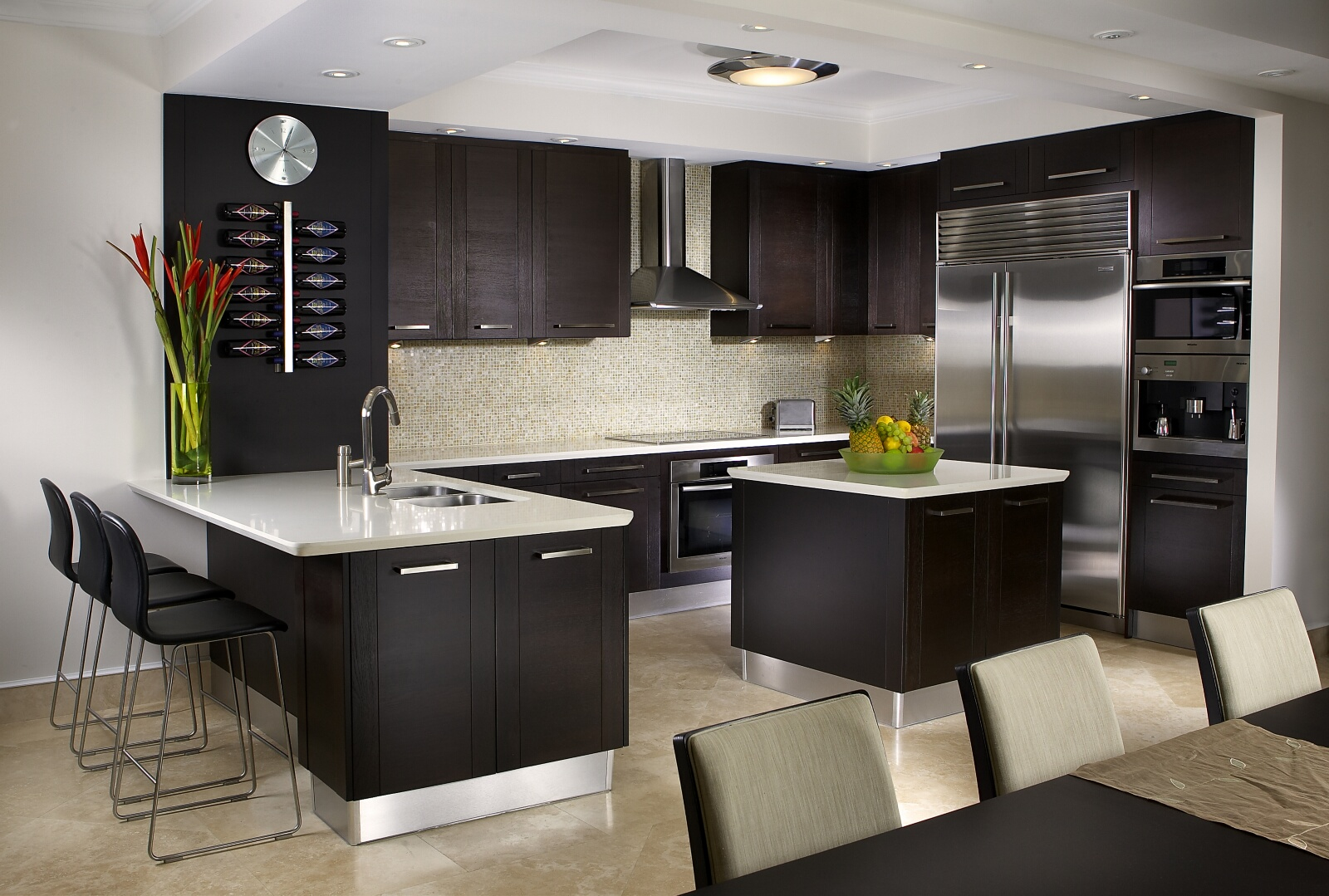 Kitchen interior design services miami florida for Interior decoration of kitchen pictures